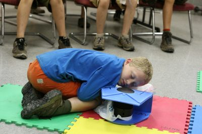 Prise respiration sur mannequin d'exercice pour une RCP